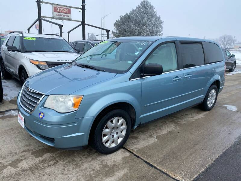 2010 Chrysler Town and Country for sale at De Anda Auto Sales in South Sioux City NE