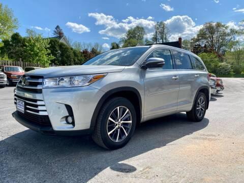 2018 Toyota Highlander for sale at SETTLE'S CARS & TRUCKS in Flint Hill VA