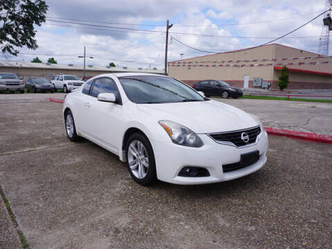 2012 Nissan Altima for sale at BLUE RIBBON MOTORS in Baton Rouge LA