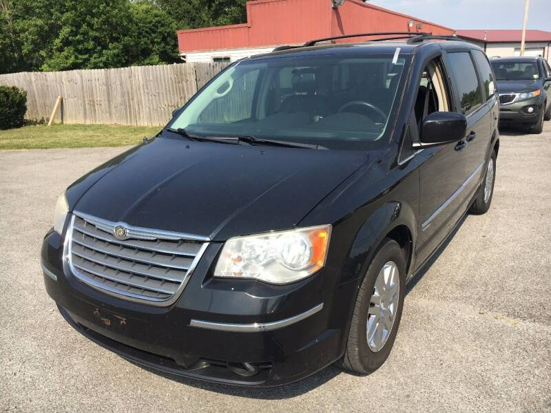 2010 Chrysler Town and Country for sale at Best Buy Auto Sales in Murphysboro IL