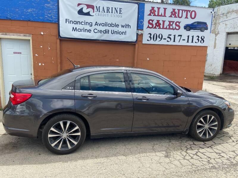2014 Chrysler 200 for sale at Ali Auto Sales in Moline IL