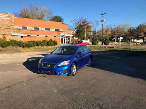 2013 Nissan Sentra for sale at DILLON LAKE MOTORS LLC in Zanesville OH