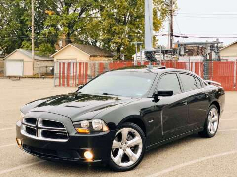 2011 Dodge Charger for sale at ARCH AUTO SALES in St. Louis MO