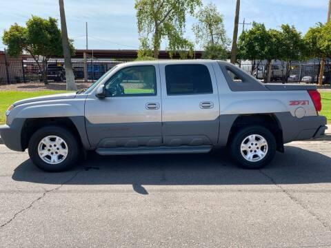2002 Chevrolet Avalanche for sale at Premier Motors AZ in Phoenix AZ