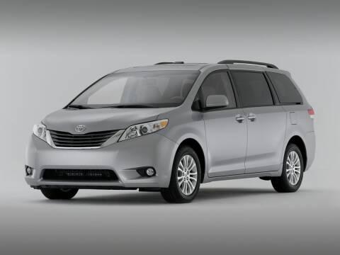 2014 Toyota Sienna for sale at Bill Gatton Used Cars - BILL GATTON ACURA MAZDA in Johnson City TN