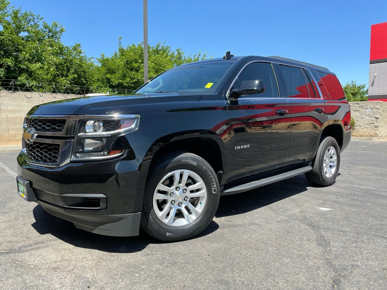 Pre-Owned 2018 Chevrolet Tahoe LT 4x2 4dr SUV Rear Wheel Drive SUV