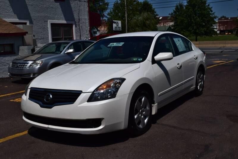 2008 Nissan Altima for sale at L&J AUTO SALES in Birdsboro PA
