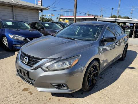 2017 Nissan Altima for sale at Pary's Auto Sales in Garland TX