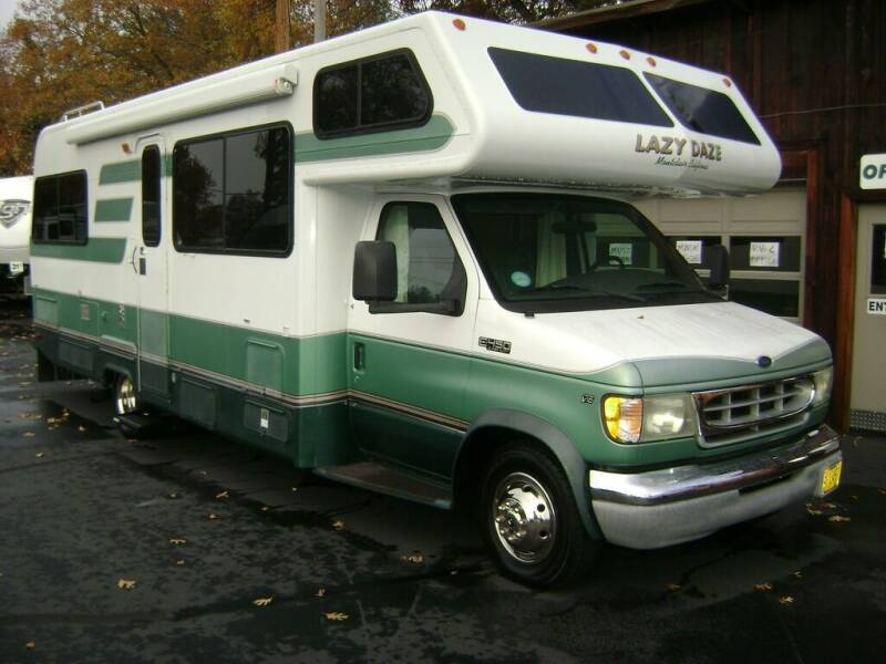 2002 **SALE PENDING** Lazy Daze Motorhome / 26ft for sale at Jim Clarks Consignment Country - Class C Motorhomes in Grants Pass OR