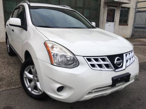 2011 Nissan Rogue for sale at Illinois Auto Sales in Paterson NJ