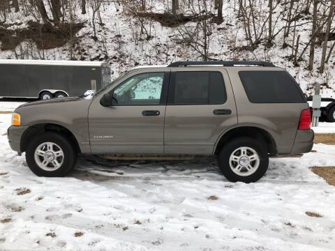 2005 Ford Explorer for sale at Schlotzhauer Auto in Gravois Mills MO