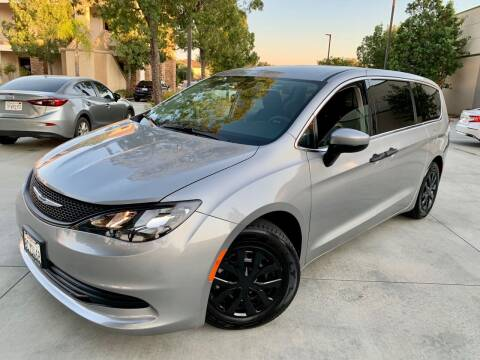 2018 Chrysler Pacifica for sale at Destination Motors in Temecula CA