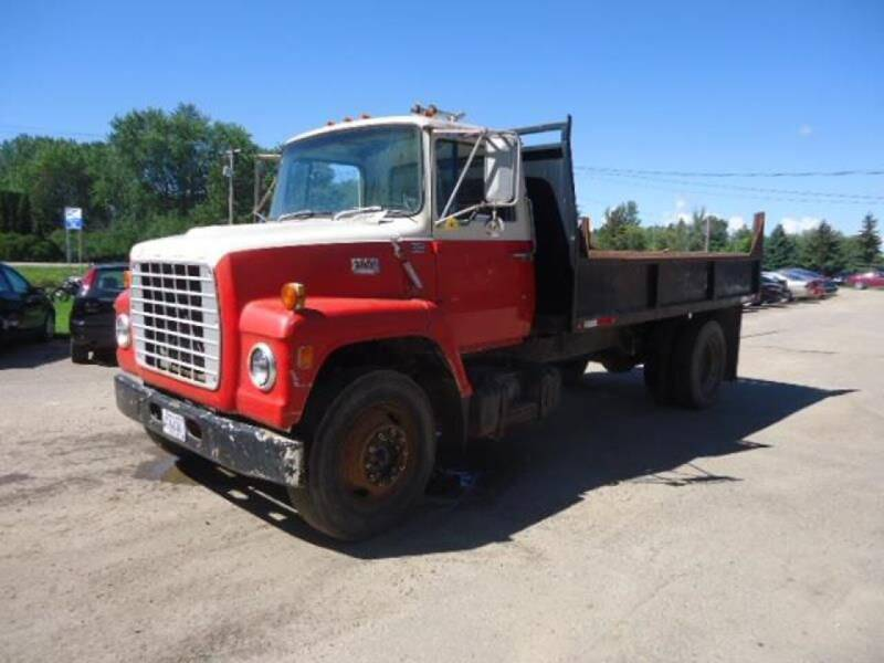 1974 Ford F-800 for sale at COUNTRYSIDE AUTO INC in Austin MN