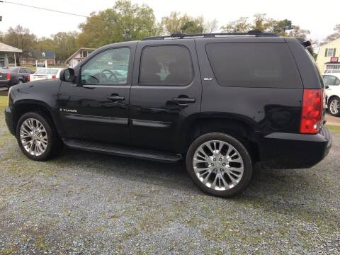 2009 GMC Yukon for sale at LAURINBURG AUTO SALES in Laurinburg NC