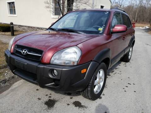 2005 Hyundai Tucson for sale at Wallet Wise Wheels in Montgomery NY