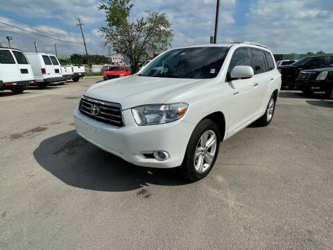 2010 Toyota Highlander for sale at RODRIGUEZ MOTORS CO. in Houston TX