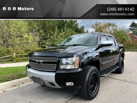2007 Chevrolet Avalanche for sale at R & R Motors in Waterford MI