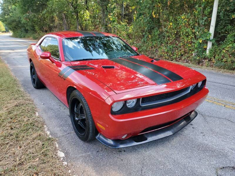 2013 Dodge Challenger for sale at GEORGIA AUTO DEALER, LLC in Buford GA