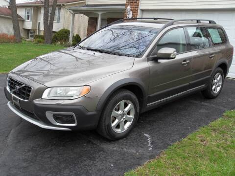 2008 Volvo XC70 for sale at GLOBAL AUTOMOTIVE in Gages Lake IL