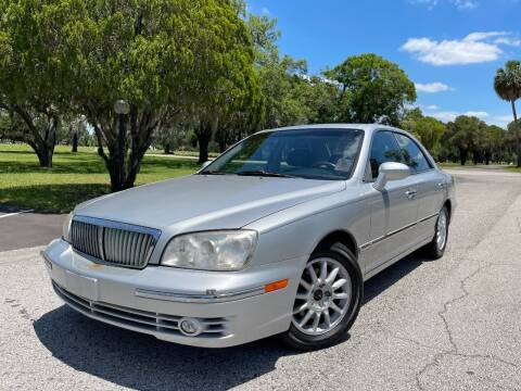 2004 Hyundai XG350 for sale at ROADHOUSE AUTO SALES INC. in Tampa FL