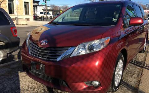 2011 Toyota Sienna for sale at Jeff Auto Sales INC in Chicago IL