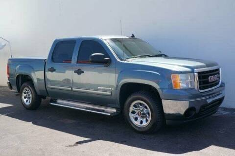 2007 GMC Sierra 1500 for sale at CAR UZD in Miami FL
