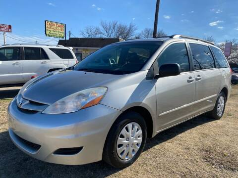 2010 Toyota Sienna for sale at Texas Select Autos LLC in Mckinney TX