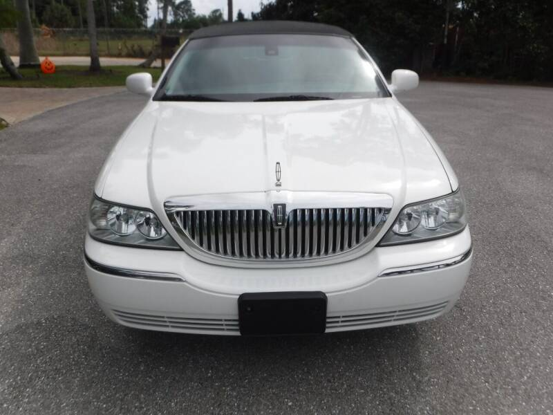 2003 Lincoln Town Car for sale at Seven Mile Motors, Inc. in Naples FL