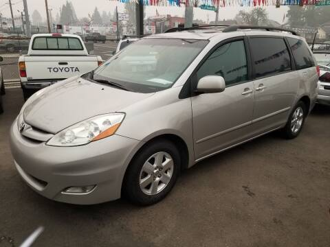 2008 Toyota Sienna for sale at Chuck Wise Motors in Portland OR