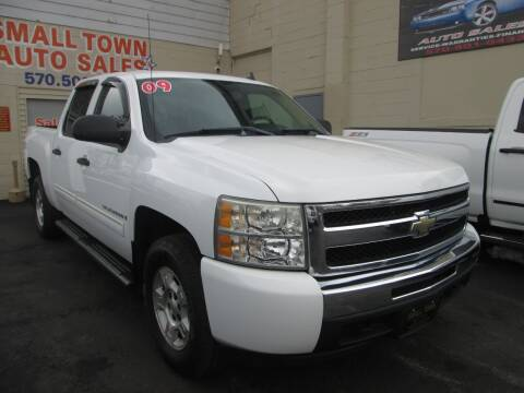 2009 Chevrolet Silverado 1500 for sale at Small Town Auto Sales in Hazleton PA