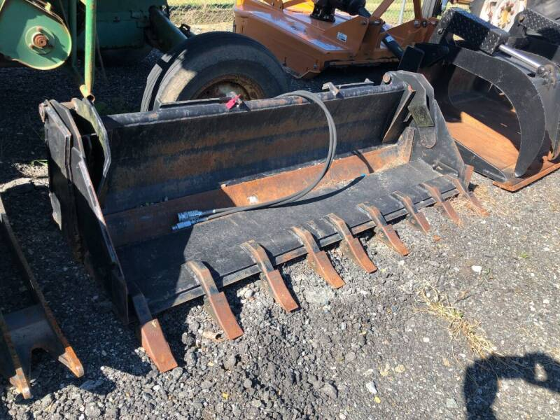 2016 WR Long 4n1 Bucket for sale at Vehicle Network - Joe's Tractor Sales in Thomasville NC