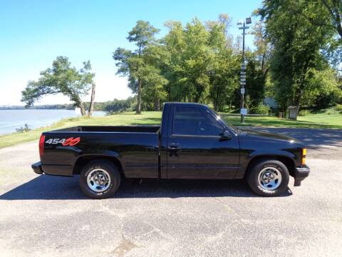 1992 Chevrolet C/K 1500 Series for sale at Bickel Bros Auto Sales, Inc in Louisville KY