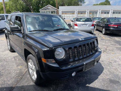 2014 Jeep Patriot for sale at Best Deal Motors in Saint Charles MO