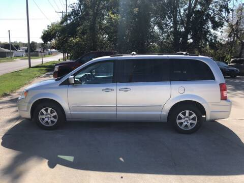 2010 Chrysler Town and Country for sale at 6th Street Auto Sales in Marshalltown IA