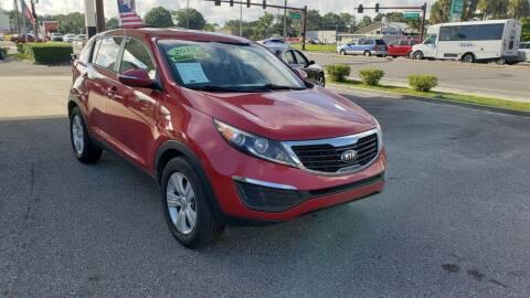 2013 Kia Sportage for sale at HCC AUTO SALES INC in Sarasota FL