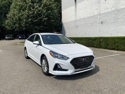 2018 Hyundai Sonata for sale at Select Auto in Smithtown NY
