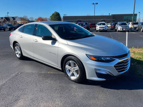 2020 Chevrolet Malibu for sale at McCully's Automotive in Benton KY