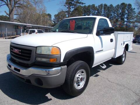 2004 GMC Sierra 2500HD for sale at Culpepper Auto Sales in Cullman AL