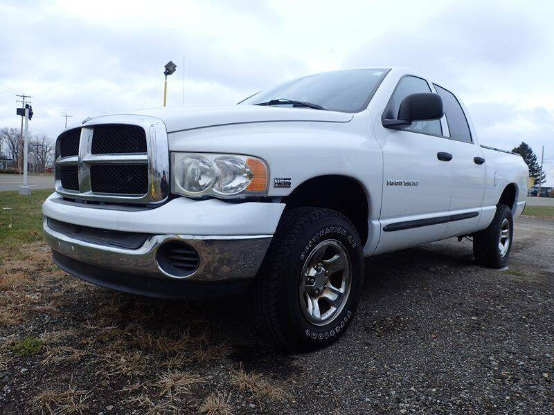 2004 Dodge Ram Pickup 1500 for sale at RPM AUTO SALES in Lansing MI