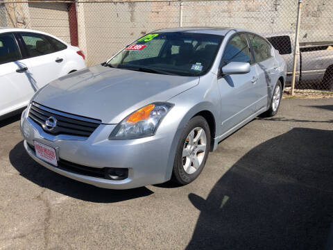 2009 Nissan Altima for sale at Riverside Wholesalers 2 in Paterson NJ