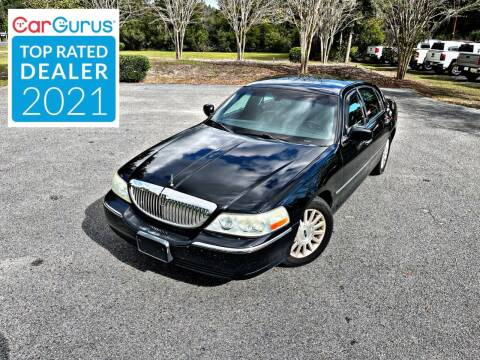 2004 Lincoln Town Car for sale at Brothers Auto Sales of Conway in Conway SC