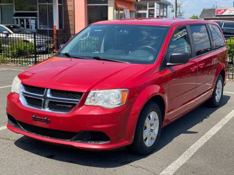 2012 Dodge Grand Caravan for sale at MAGIC AUTO SALES in Little Ferry NJ