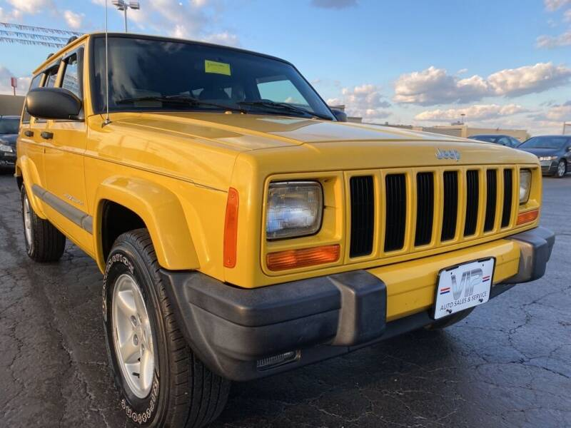 2001 Jeep Cherokee for sale at VIP Auto Sales & Service in Franklin OH