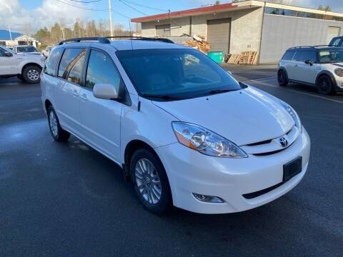 2009 Toyota Sienna for sale at KARMA AUTO SALES in Federal Way WA