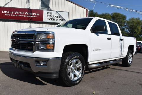 2014 Chevrolet Silverado 1500 for sale at Dealswithwheels in Inver Grove Heights MN