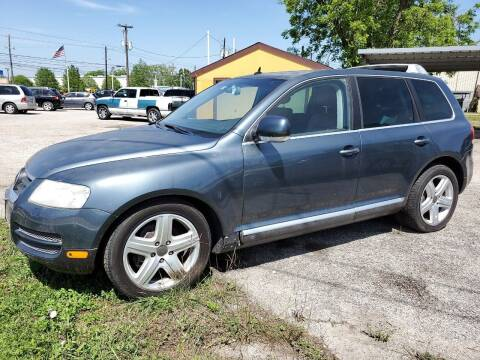 2005 Volkswagen Touareg for sale at OTWELL ENTERPRISES AUTO & TRUCK SALES in Pasadena TX