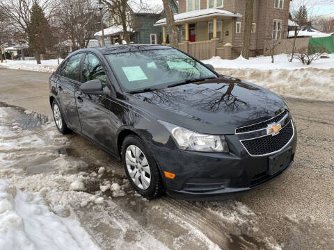 2013 Chevrolet Cruze for sale at RIVER AUTO SALES CORP in Maywood IL