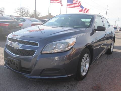 2013 Chevrolet Malibu for sale at T & D Motor Company in Bethany OK