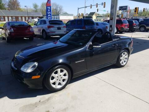 2003 Mercedes-Benz SLK for sale at Springfield Select Autos in Springfield IL