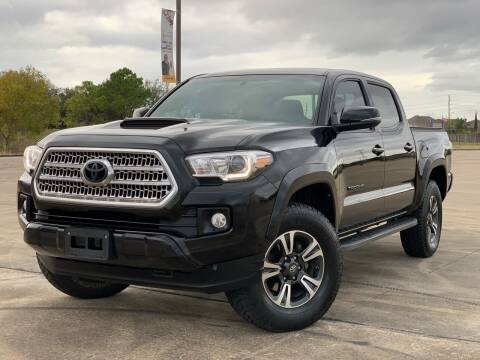 2017 Toyota Tacoma for sale at AUTO DIRECT Bellaire in Houston TX
